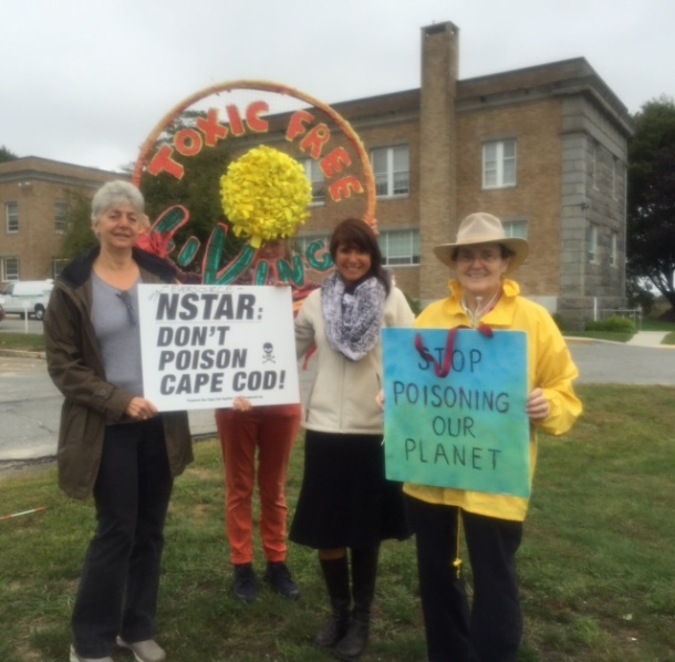 Protesters at Barnstable Courthouse October 1, 2015